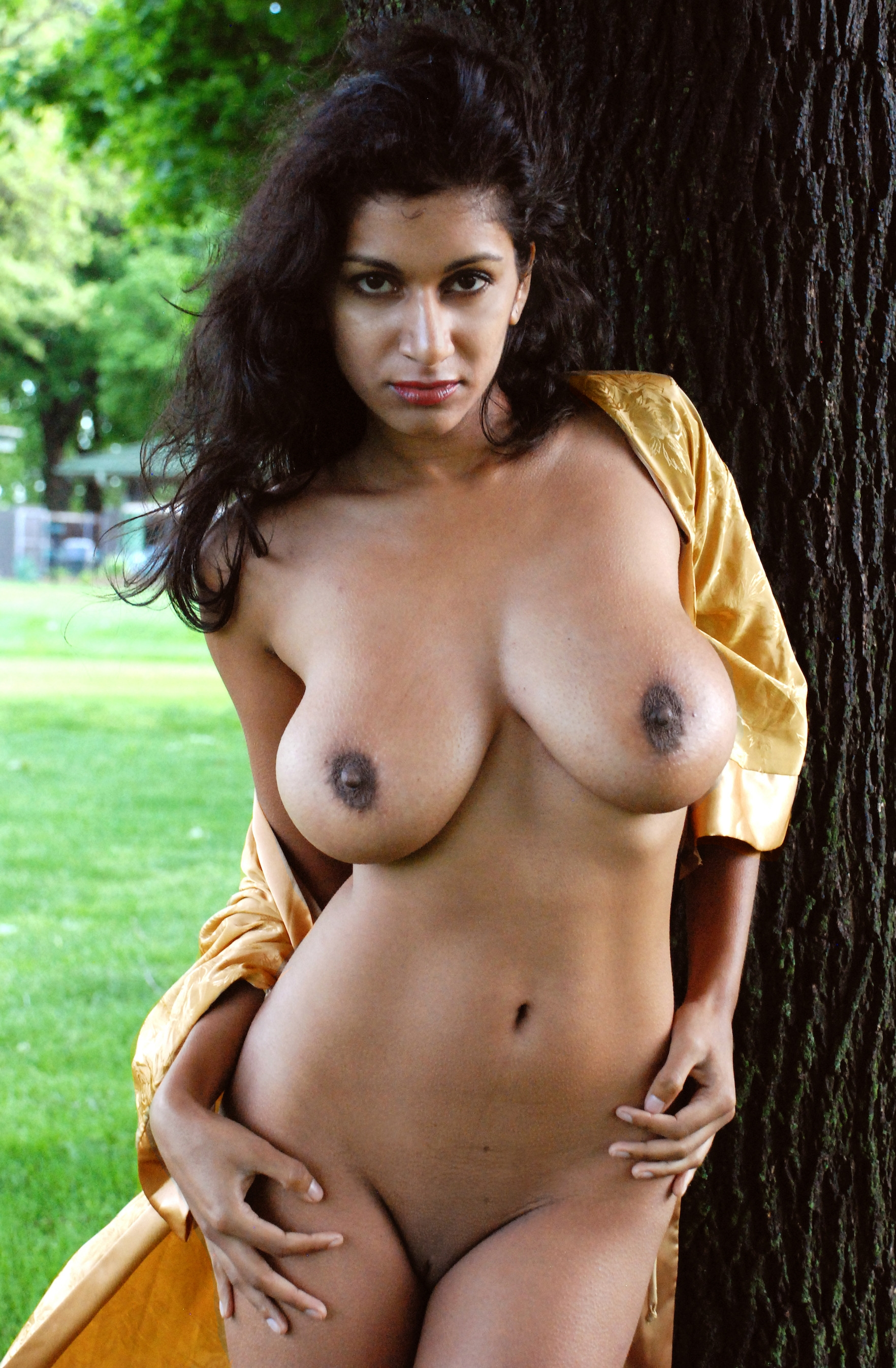 Indian busty babe naked