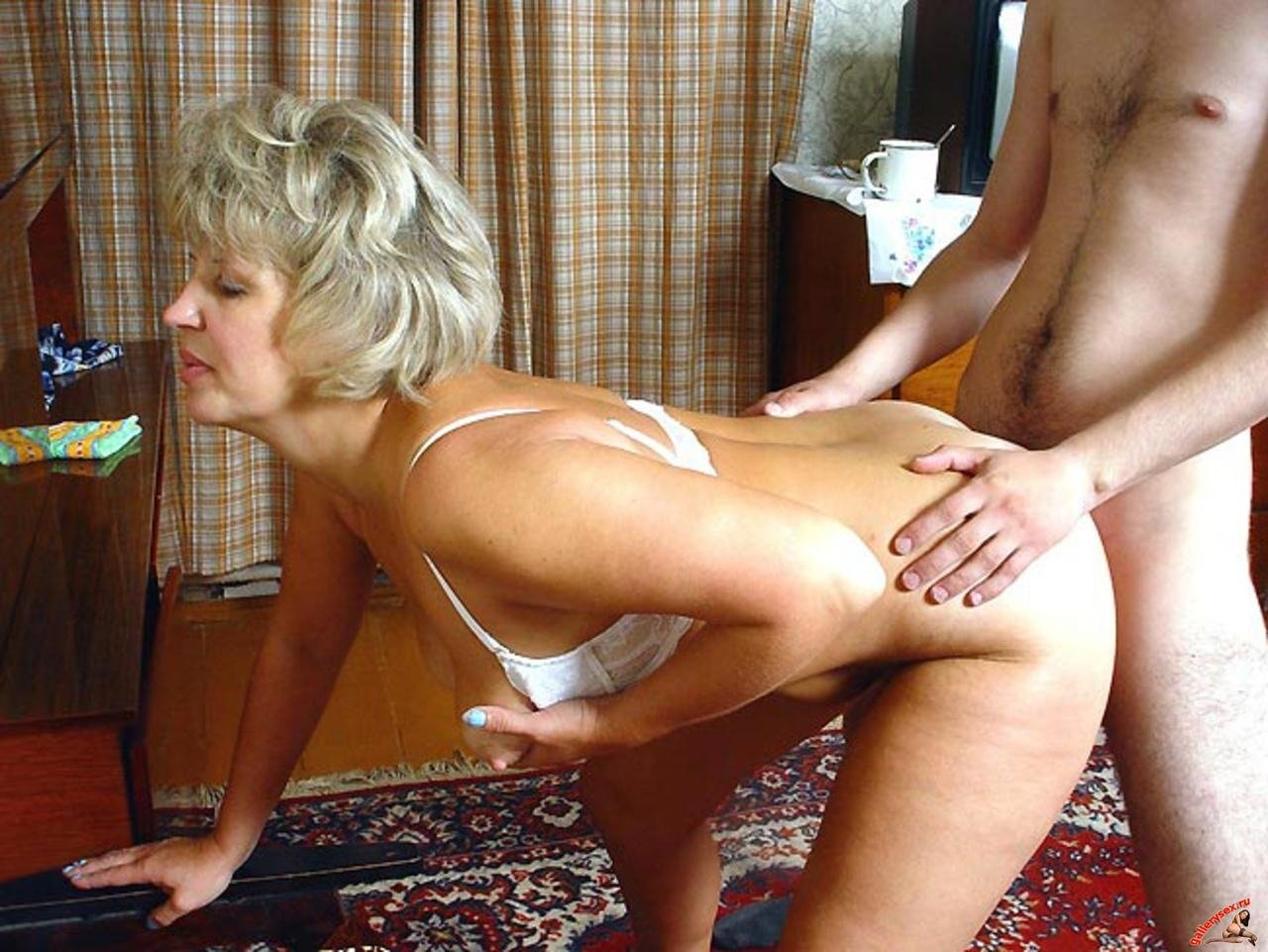 Very Hairy Amateur Russian Milf Masturbates On Cam