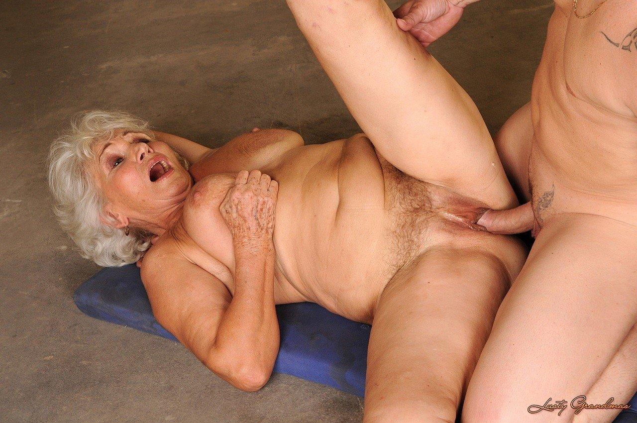 Free old woman young boy porn pics