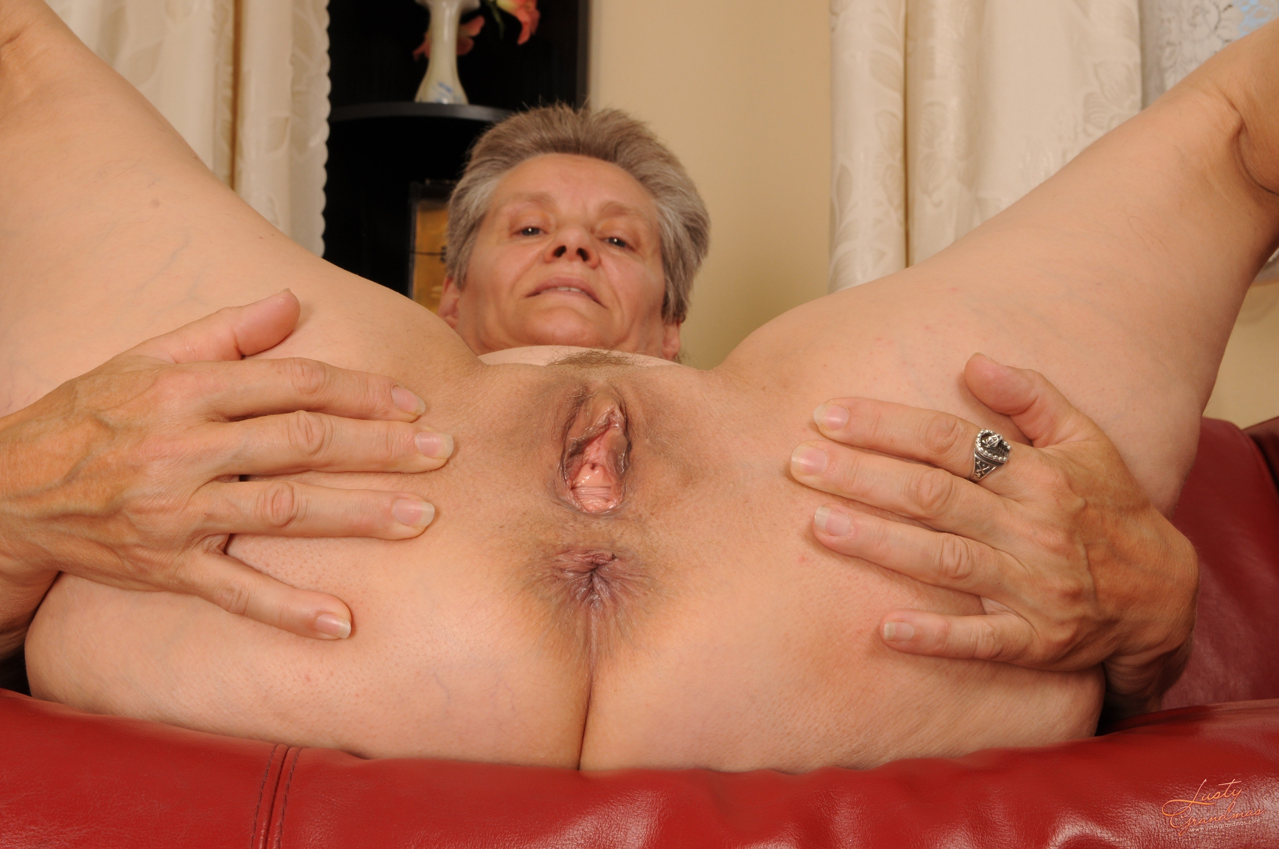 Granny pussy getting nailed porn pics