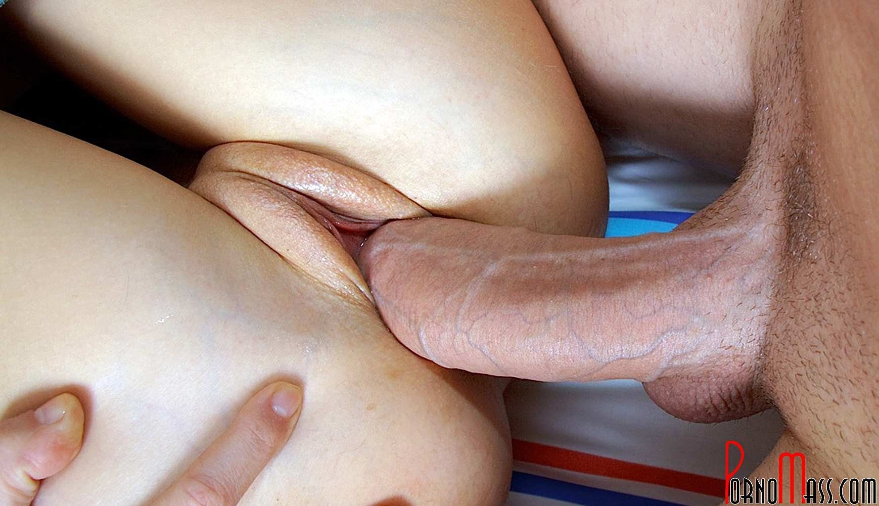 Slow and fast fuck of creamy pussy up close