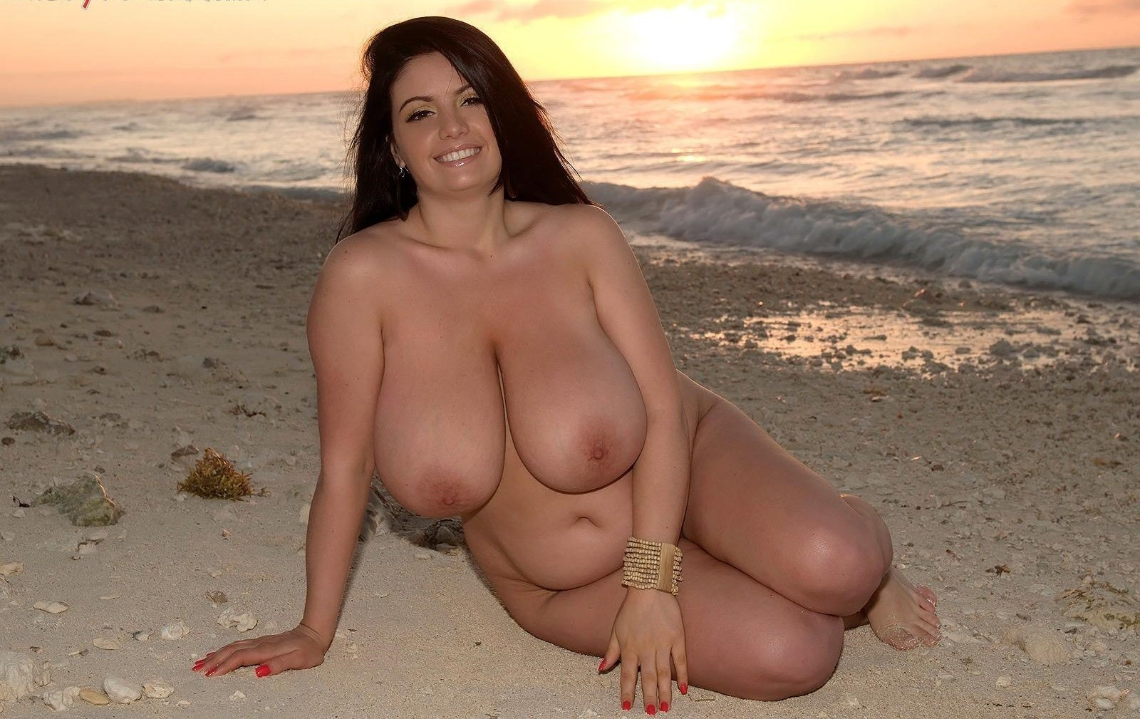 Nude busty thick girls tumblr
