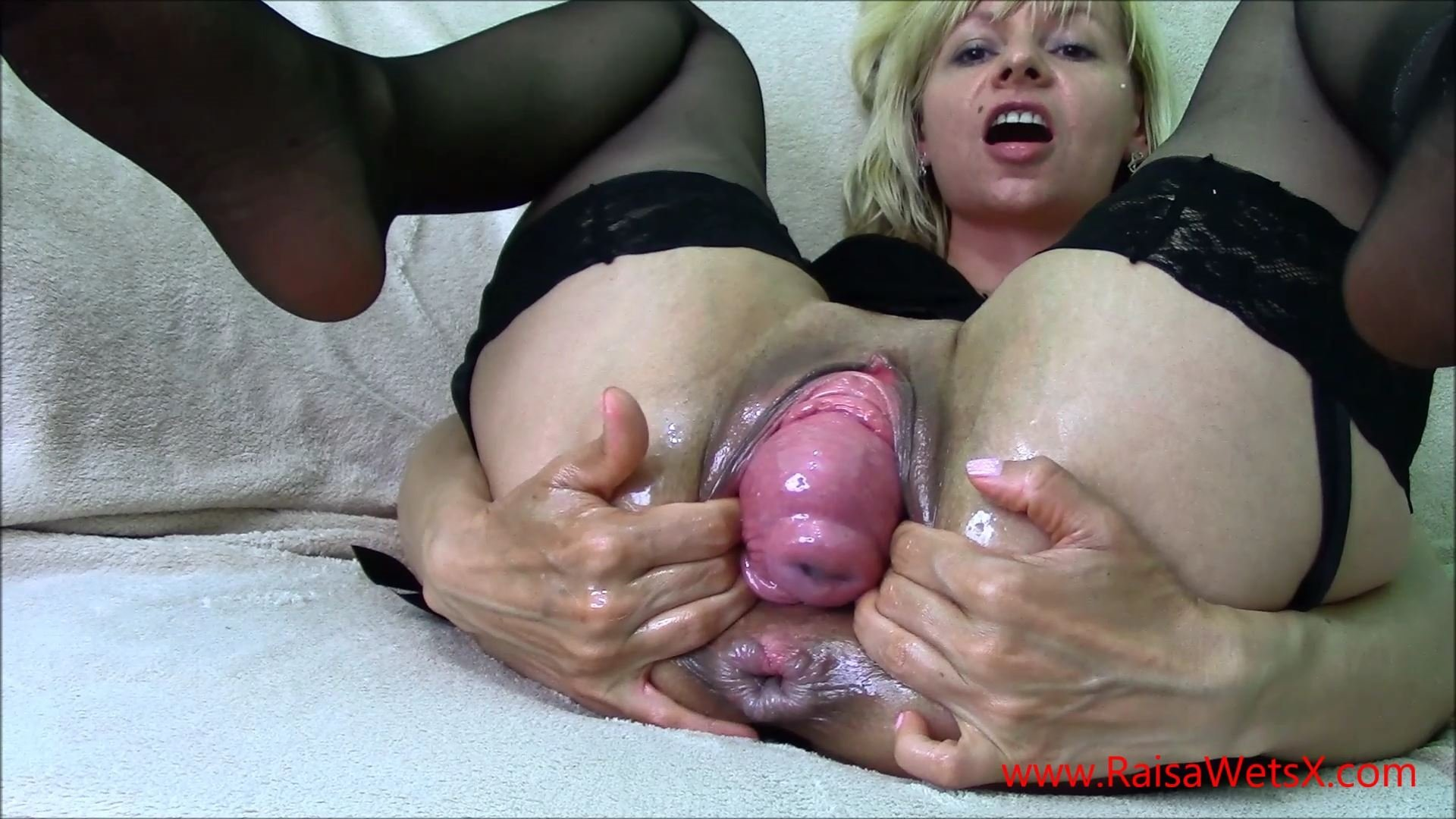 Awesome Granny Fisting And Squirting