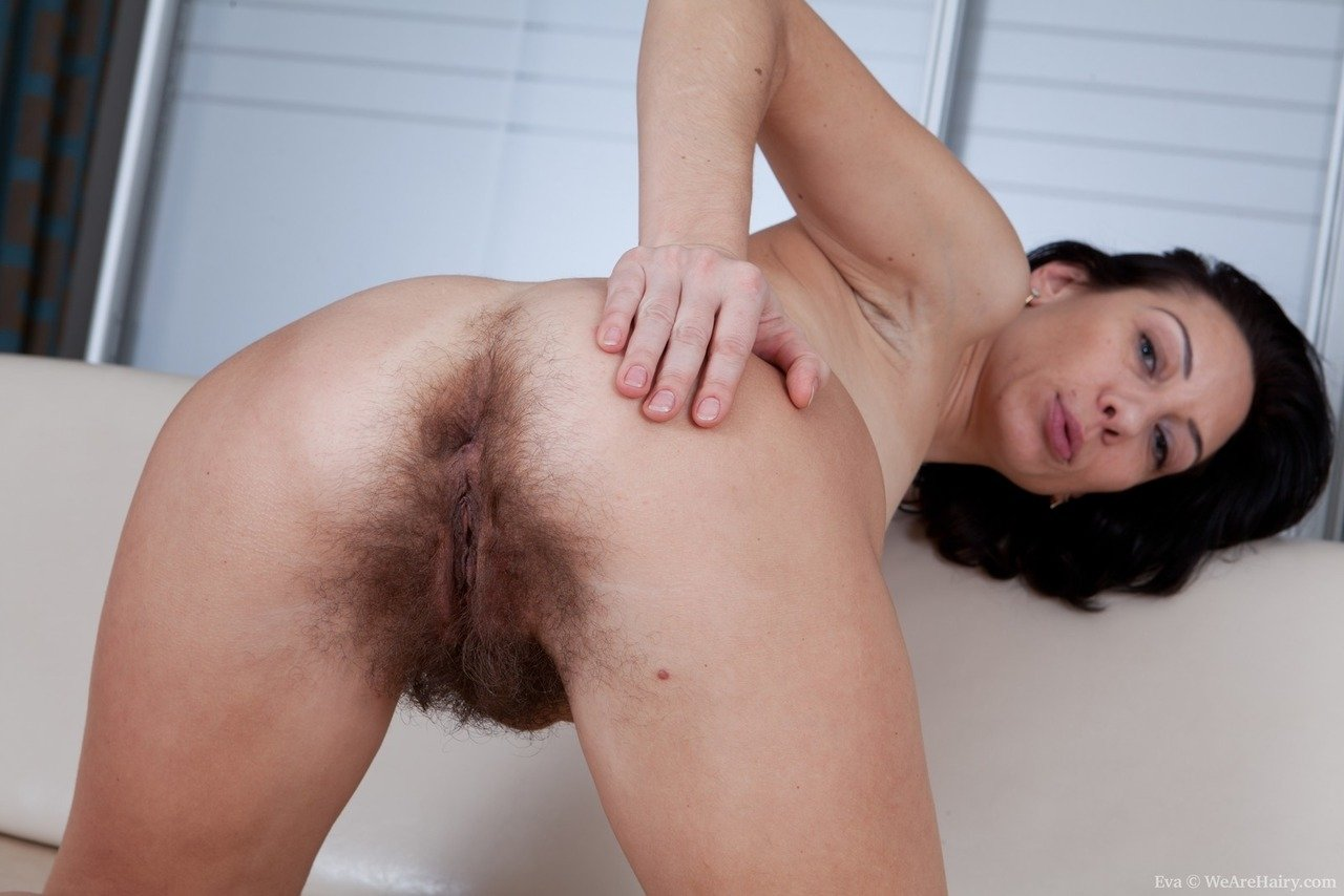 Indian aunty nude sex pics of massive masturbation of hairy pussy