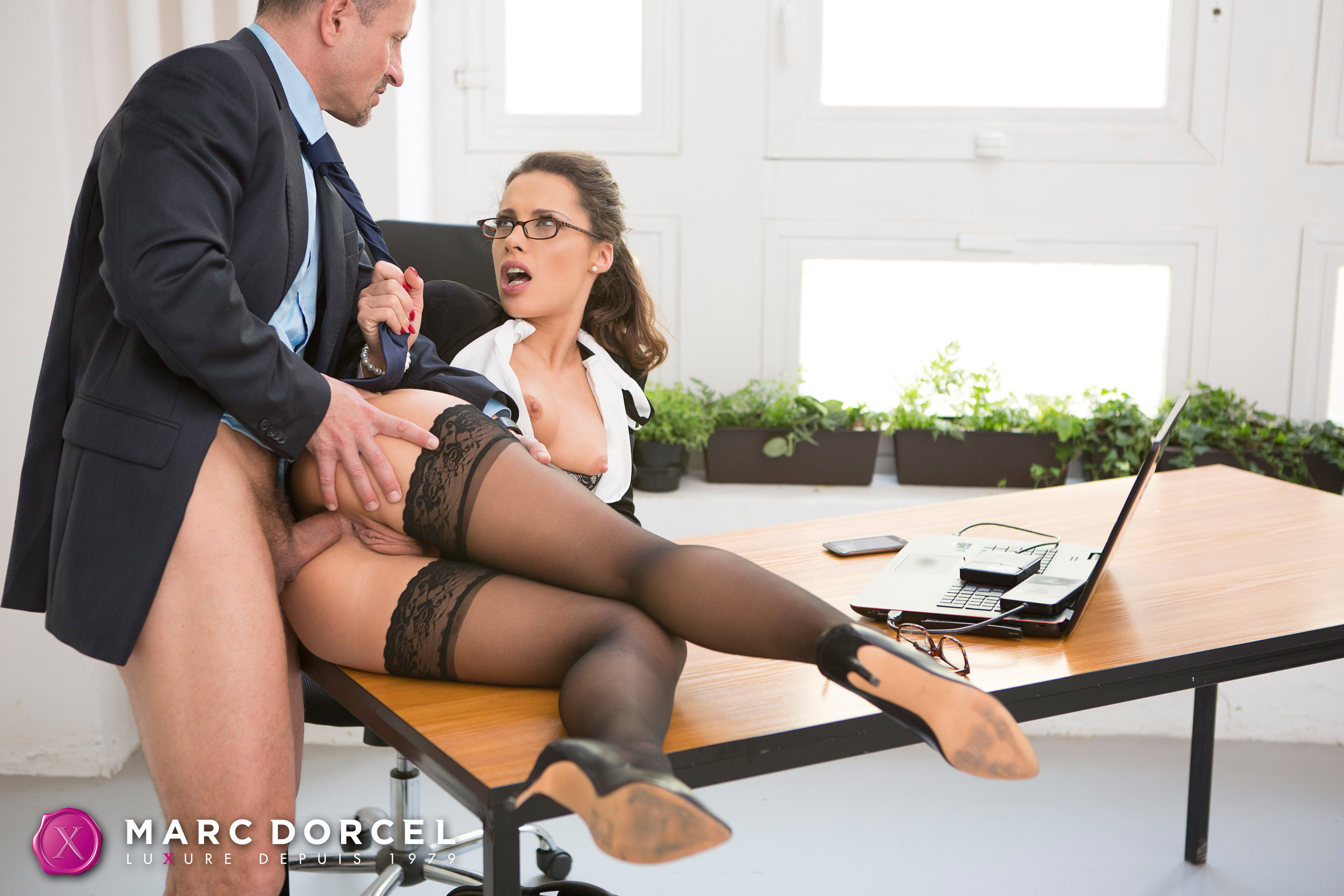 Office secretary shanis gives a bj and has sex with double penetration