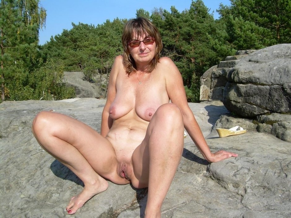 Hot older nude women home pic