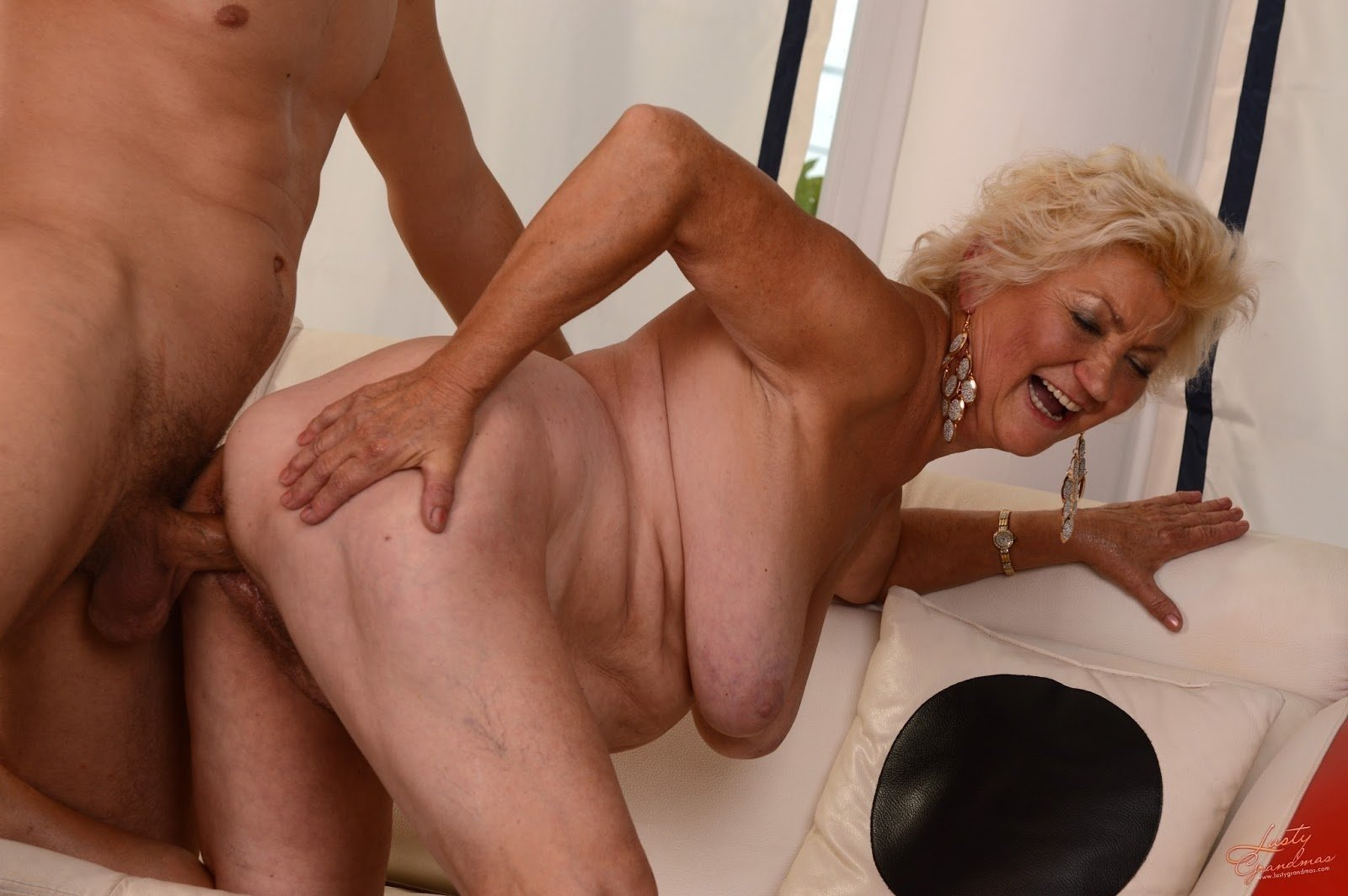 Bare old woman porn scene