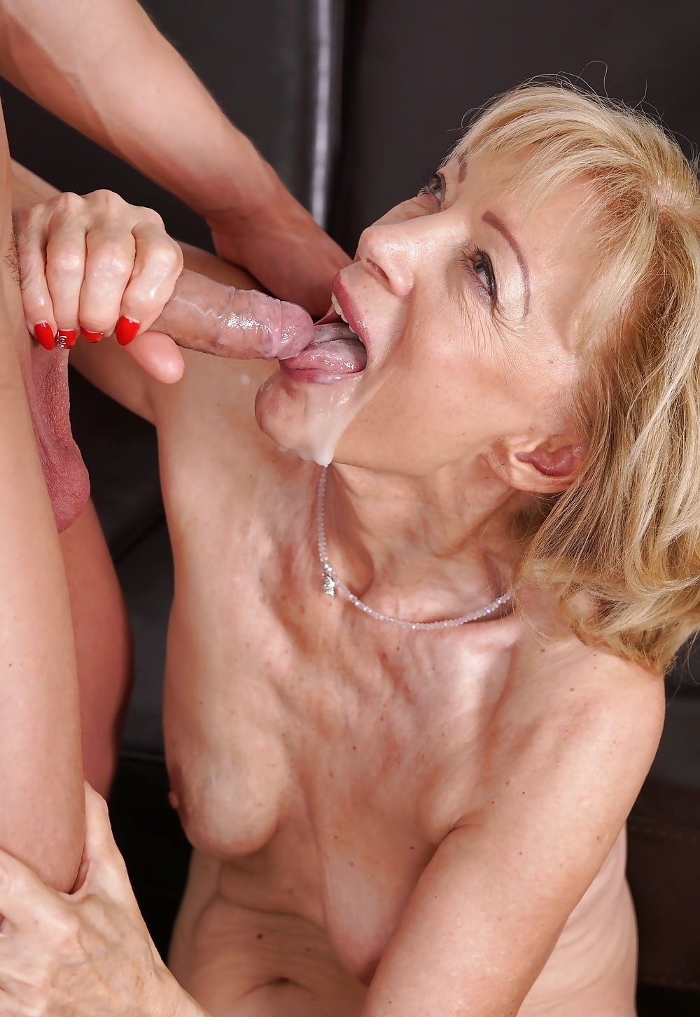 Mature women suck dicks for facial cumshots