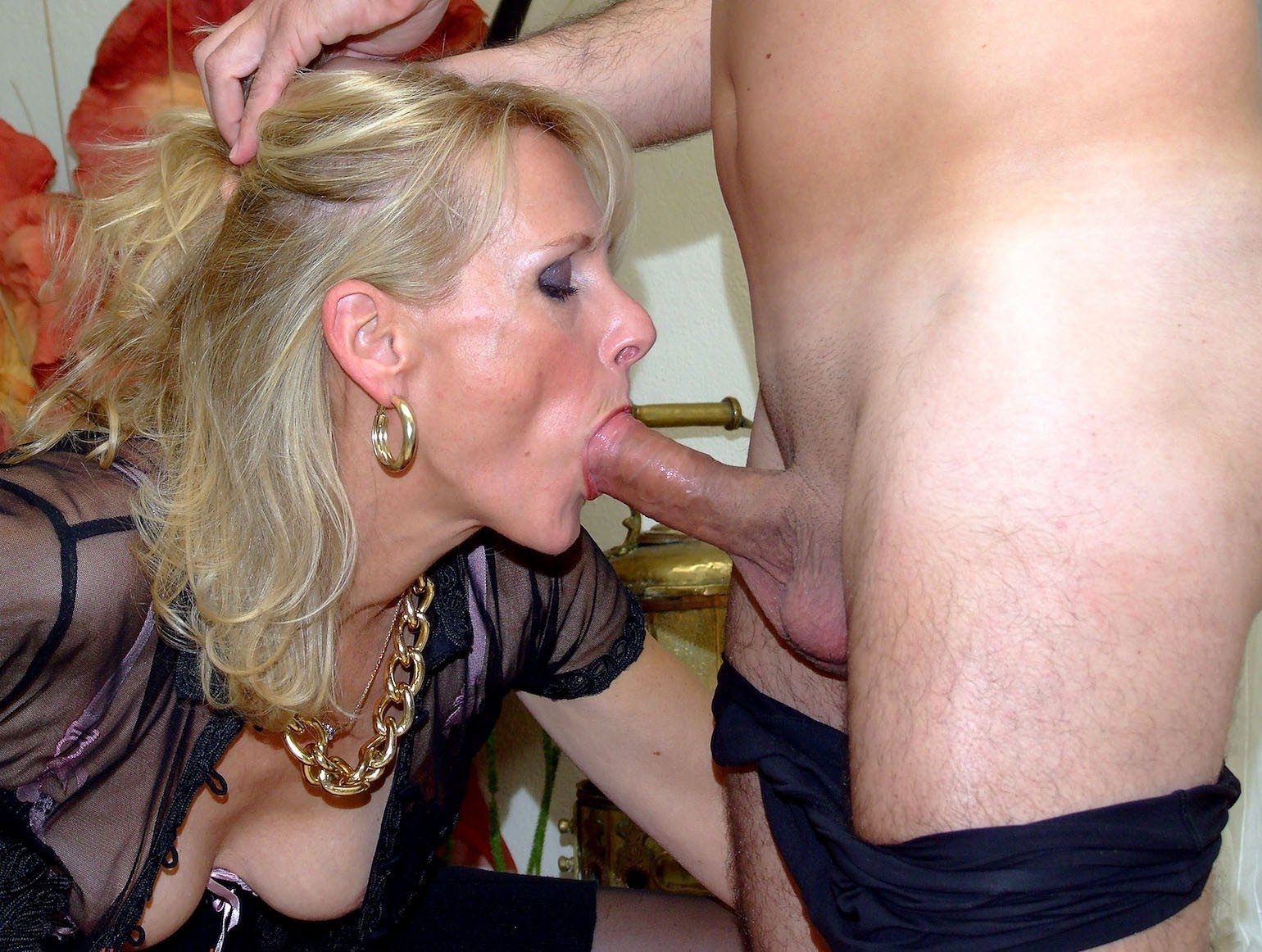 Milf forced to suck dick